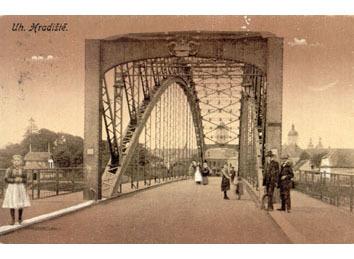 Starý most přes řeku Moravu (kolem roku 1915)